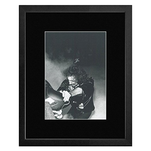 deep-purple-richie-blackmore-1974-framed-and-mounted-print-33x28cm