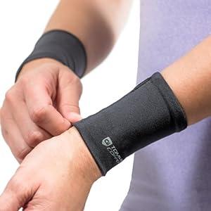 Tommie Copper Wrist Sleeves, Black, Medium
