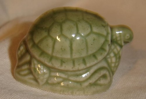 green-sea-turtle-red-rose-tea-wade-figurine-north-american-endangered-series-1999-2002