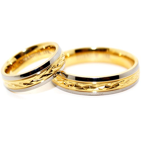 Blue Chip Unlimited - His & Hers Matching 5mm Middle 18k Gold-Plated Facet Titanium Wedding Ring Set (Variety of UK Sizes: H - Z+5, see description for full list of sizes available)