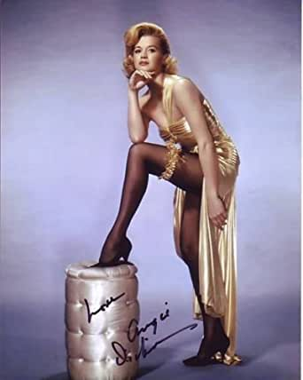 ANGIE DICKINSON signed autographed SEXY VINTAGE POSE photo