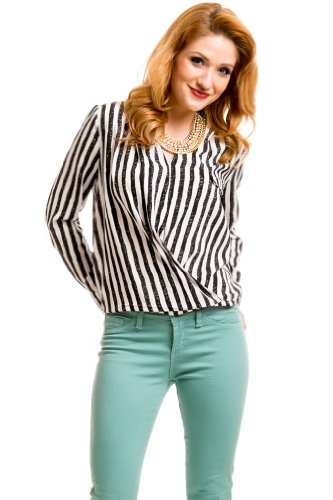 Loose Pinstripe Blouse in Black/White