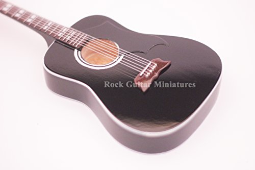 RGM272-Elvis-Presley-Acoustic-Miniaturgitarre