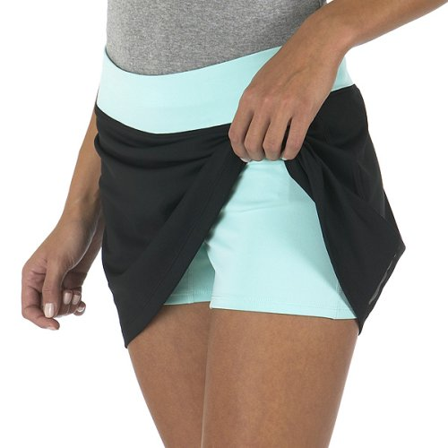 Our sporty fitness skort is ideal for all kinds of activities, including golf, tennis, running and kayaking, and so comfortable you'll want to wear it before, during and after your workout.