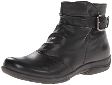 Clarks Women's Chris Sydney Boot,Black Leather,5 M US