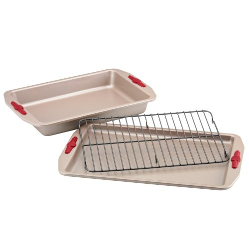 Paula Deen Signature Nonstick Bakeware with Red Silicone Grips 3-Piece Bakeware Set (Paula Deen Baking Pans compare prices)