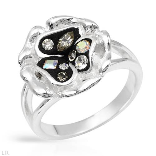 Sterling Silver Crystal Ladies Ring. Ring Size 6. Total Item weight 5.8 g.