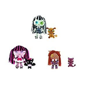 Monster High Friends Plush Bundle with Frankie Stein Clawdeen Wolf and Draculaura and Pets