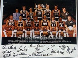 Signed Bucks, Milwaukee (1970-71) 16x20 Photo by the 1970-71 Milwaukee Bucks Team... by Powers+Collectibles