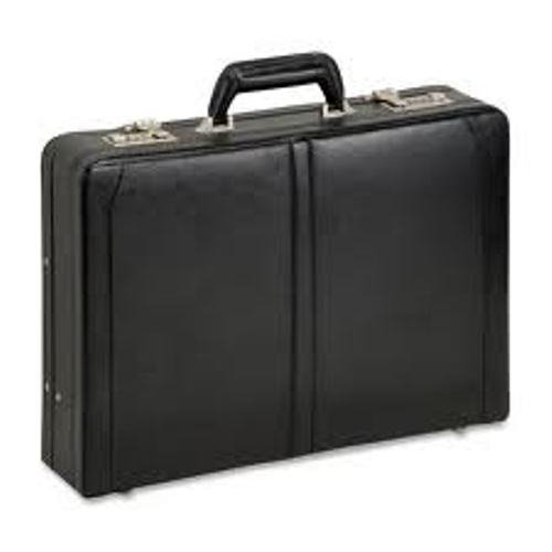 SOLO Classic Collection Expandable Leather Laptop Attache, Check-Fast Airport Security-Friendly Case Holds Laptop up to 16 Inches, Black, 471-4