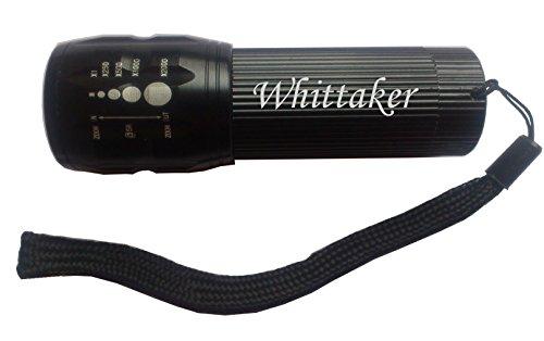 eingravierte-taschenlampe-mit-aufschrift-whittaker-vorname-zuname-spitzname