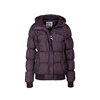 Top 5 Warmest Winter Coats for Women Unlike men, women often look beyond the practical, when it comes to their clothes, including winter jackets. The good news is some of the warmest winter coats for women are also made with style and fashion.