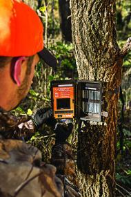 bushnell 8mp trophy cam hd wireless black led trail camera