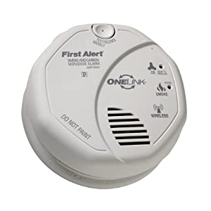 first alert interconnected battery operated combination smoke and carbon monoxide alarm with. Black Bedroom Furniture Sets. Home Design Ideas