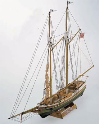 Flying Fish 2-Masted 18th Century US Fishing Schooner 1/100 Mamoli