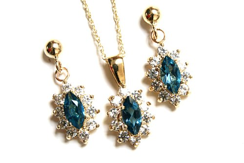 9ct Gold London Blue Topaz and Cubic Zirconia Pendant and earring set