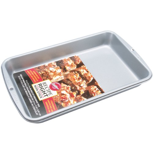 Wilton Recipe Right 11-Inch x 7-Inch Biscuit Brownie Pan