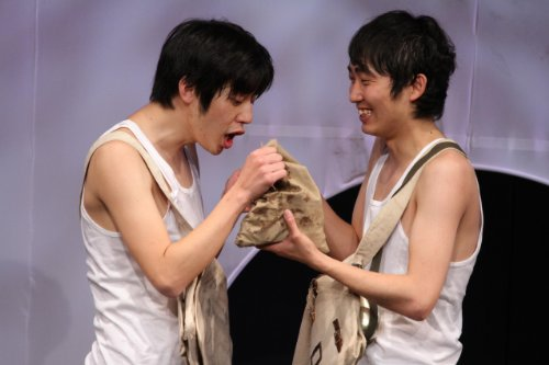 キングコング西野亮廣・NON STYLE石田明 「ナイスなやつら ~未来はイイトコロ~」 [DVD]