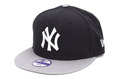 New York Yankees Youth Snapback 950 New Era Hat  = Ages 3 thru 8 (Kids Yankee Hat compare prices)