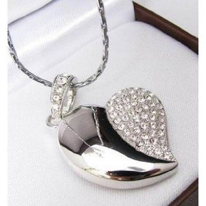 High Quality 32 GB Heart Shape Crystal Jewelry USB Flash Memory Drive Necklace (SILVER) from T &  J