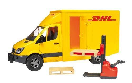 bruder-2534-vehicule-miniature-camion-de-transport-dhl-avec-transpalettre-et-accessoires