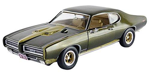 auto-world-amm1042-pontiac-gto-royal-bobcat-1969-echelle-1-18-vert-fonce
