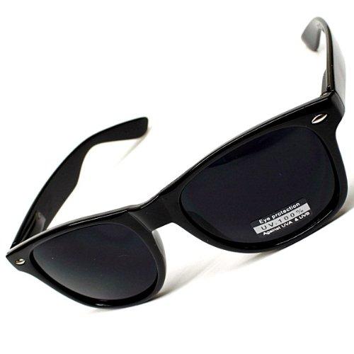 Classic Wayfarer Style Sunglasses
