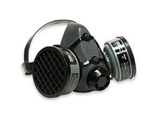 5500 Series Half Mask with 2 Organic Vapor Cartridges, Size Medium