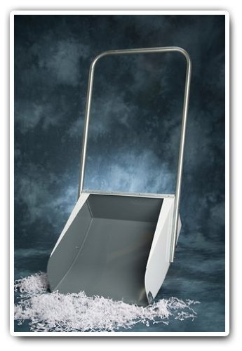 The Original Kaufman's Metal Snow Scoop - Large