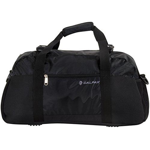 calpak-avenger-black-22-inch-lightweight-duffel-bag