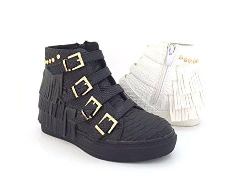 CHIC NANA . Chaussure Mode Baskets compensée femme effet peau de serpent, frange sur le talon.