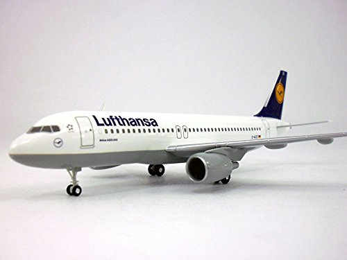 Airbus A320 Lufthansa 1/200 Scale Plastic Airplane Model (Lufthansa Model compare prices)