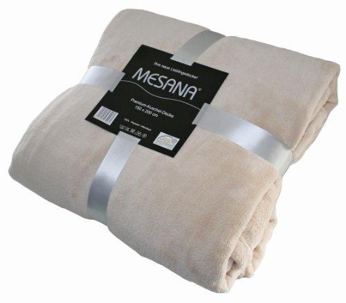 kuscheldecke flauschige wolldecken mit und ohne rmel zum wohlf hlen. Black Bedroom Furniture Sets. Home Design Ideas