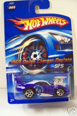 2006 Hot Wheels 1969 Dodge Charger Daytona #065 - 1