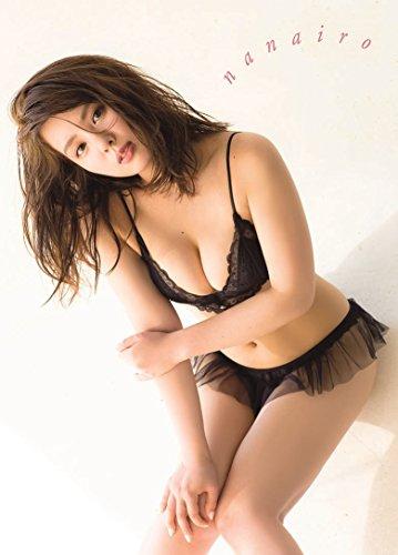 山田菜々 写真集 『 nanairo 』 (ヨシモトブックス)