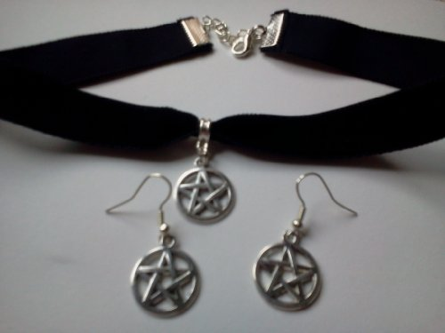 Classic Gothic Emo Plain Black Velvet 16mm Choker Necklace Chain With a Tibetan Silver pentagram, with matching earrings