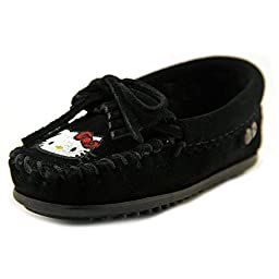 Minnetonka Girls\' Hello Kitty Moccasins Black 8 M US