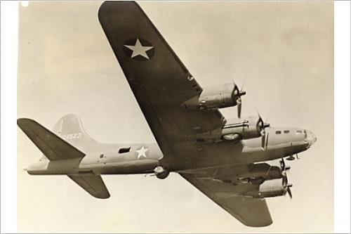 Photographic Print of Boeing B-17F Flying Fortress in flight