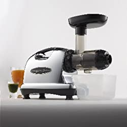 Omega 8006 Nutrition Center Single Gear Masticating Juicer