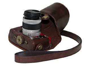 """MegaGear """"Ever Ready"""" Dark Brown Leather Camera Case for New Pentax Q 02 and Pentax Q10 Cameras with 5 mm - 15 mm Lens"""