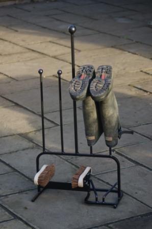gap-garden-products-range-bottes-pour-2-paires-de-bottes-et-grattoir-a-bottes