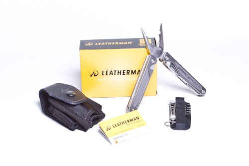 Leatherman Charge Multi-Tool Tti - Titanium Handle, Leather, Clam front-890918