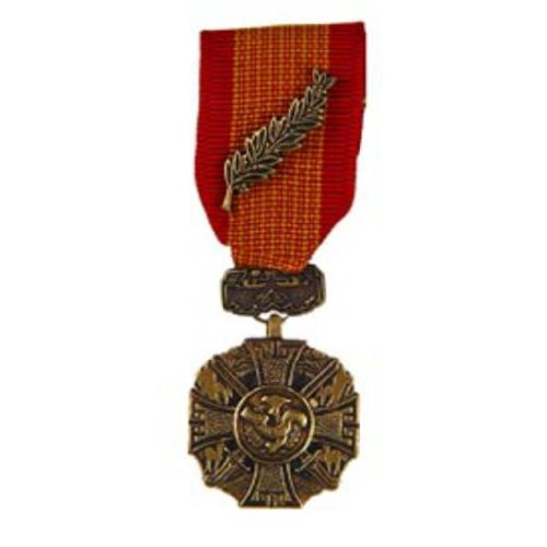 Vietnam Cross of Gallantry Mini Medal