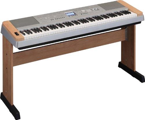 Yamaha DGX640C Piano numérique compact 88 touches GHS Finition Argent/cerisier