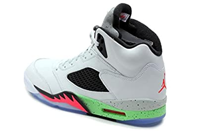 Nike Men's Air Jordan Retro 5 Basketball Shoe