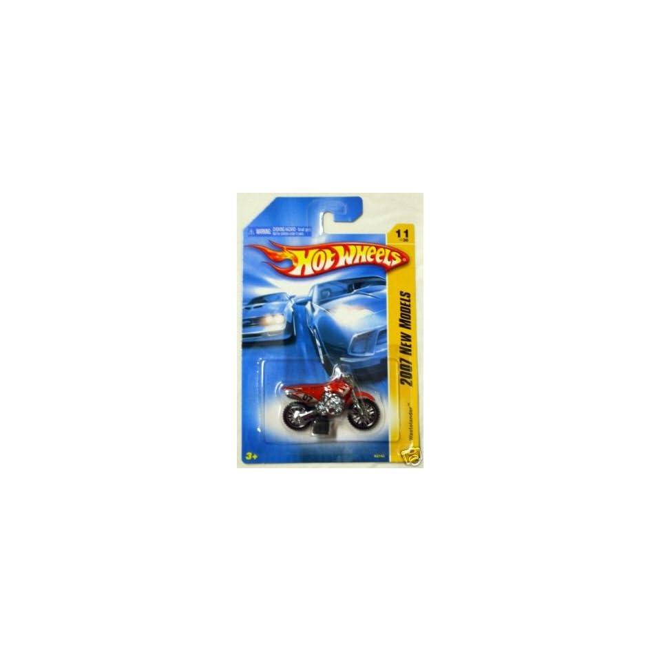 Mattel Hot Wheels 2007 New Models 164 Scale Red Wastelander Die Cast Motorcycle #011