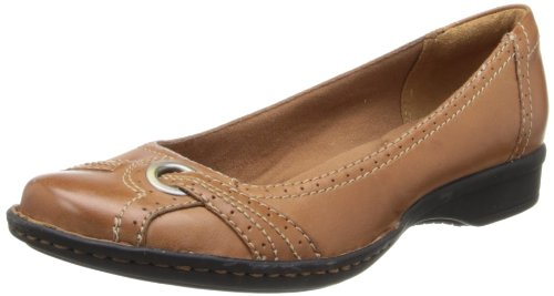 Clarks Women's Recent Panther Ballet Flat,Tan,9.5 M US