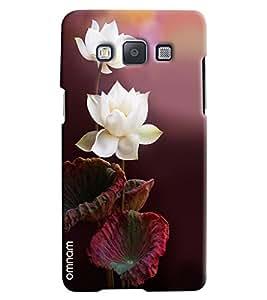 Omnam White Rose Printed Designer Back Cover Case For Samsung Galaxy E5