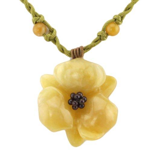 fleur-mountain-pendentif-en-pierre-sur-perles-dor-tisse-reglable-collier