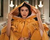 ブロマイド写真★リリー・コリンズ/『白雪姫と鏡の女王』/黄色いローブの白雪姫